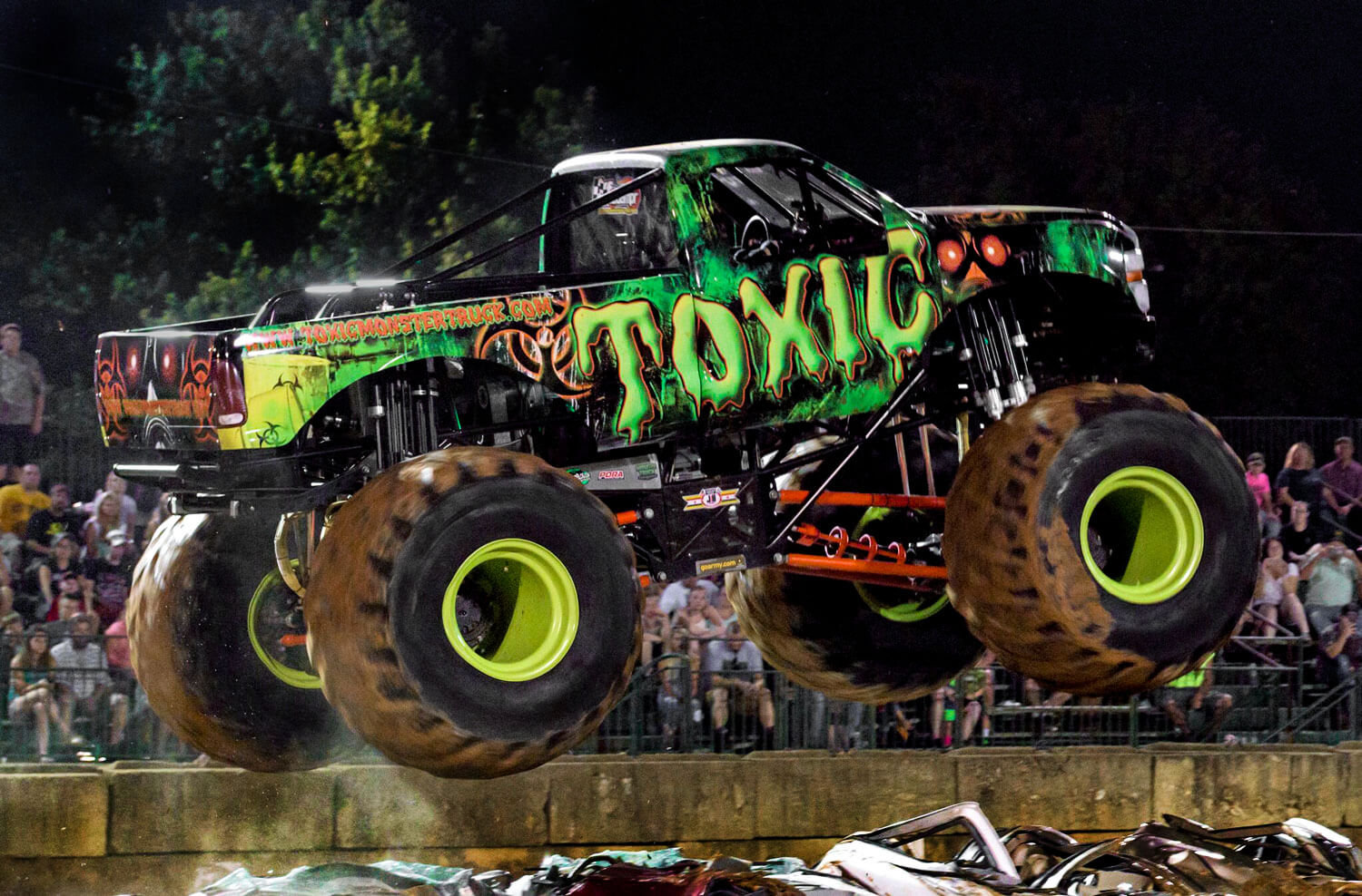 toxic monster truck official site of the toxic monster truck. Black Bedroom Furniture Sets. Home Design Ideas